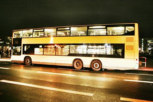 Autobús nocturno en Berlín
