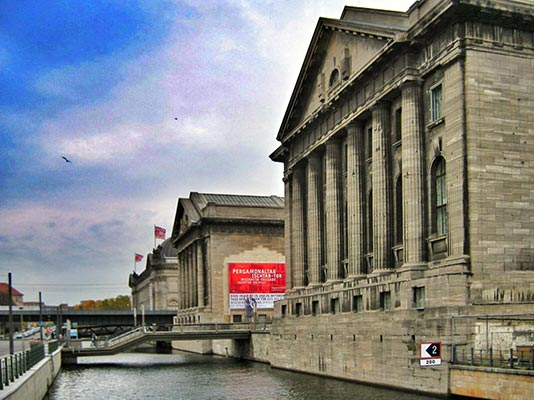 Puente del Castillo e Isla de los Museos en Berlín