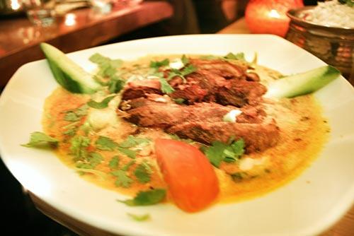 Curry de pato en Restaurante Mirchi Berlín