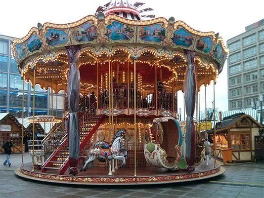 Carrusel de Alexanderplatz en navidad